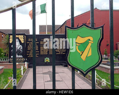 Belfast Falls Rd Republican Peace Garden Gates, with Eire Harp symbol - Stock Photo