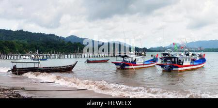 Langkawi, officially known as Langkawi the Jewel of Kedah (Malay: Langkawi Permata Kedah) is an archipelago of 104 - Stock Photo