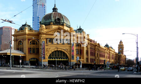 Before Federation Square took the honours, Flinders Street Station was Melbourne's favourite meeting place, hence - Stock Photo