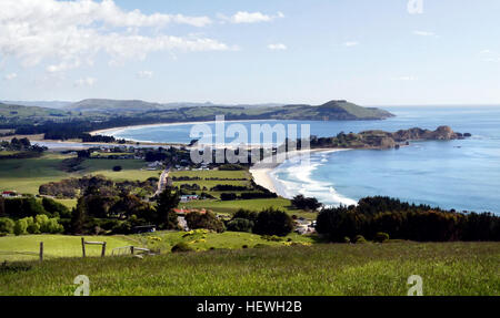 The small seaside settlement of Karitane, set in rolling country near the mouth of the Waikouaiti River, is a popular - Stock Photo