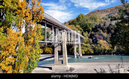 Situated 10 kilometres from Queenstown (off highway 6), the Old Lower Shotover Bridge was built in 1871 and offers - Stock Photo