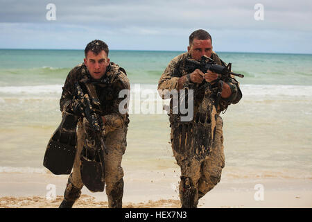 Cpl. Jonathon Schannep and Sgt. Daniel Kahn, force reconnaissance Marines with 4th Force Reconnaissance Company, - Stock Photo