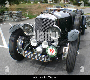 Factory-raced Speed 6s contributed more to the Bentley story than any other model. These specially-prepared models - Stock Photo