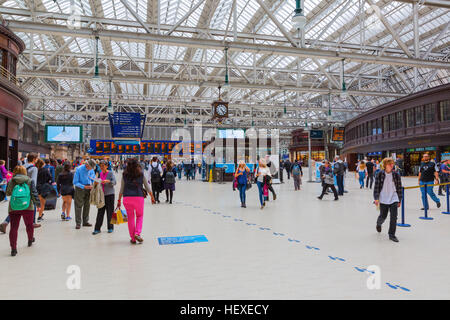 Glasgow, UK - September 12, 2016: inside the central station in Glasgow with unidentified people. Glasgow Central - Stock Photo