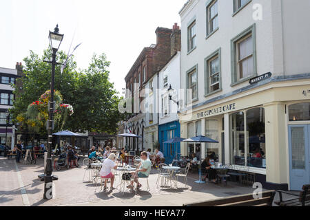 Outdoor seating at The Cupcake cafe, Market Place, Old Town, Margate, Kent, England, United Kingdom - Stock Photo