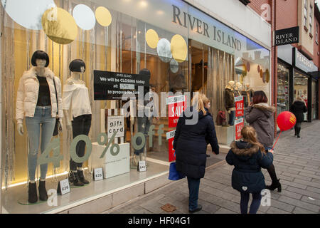 Southport, Merseyside, UK. 24th December, 2016. Pre Boxing Day Sales.   Stores in the town are now displaying tentative - Stock Photo