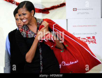 First lady Michelle Obama visited Joint Base Anacostia-Bolling, D.C., Dec. 16 to sort toys for the Toys for Tots - Stock Photo