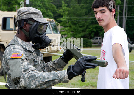 A U.S. Army National Guard Chemical Operations Specialist assigned to the 108th Chemical Company, S.C Army National - Stock Photo