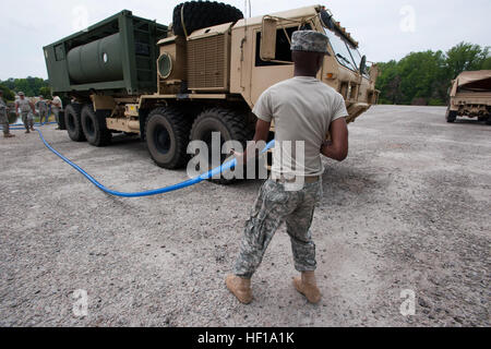 U.S. Army National Guard Sgt. William White, assigned to the 741st Quartermaster, South Carolina National Guard, - Stock Photo