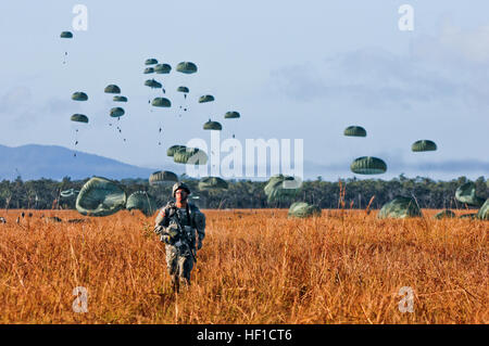 Paratroopers from the 4th Infantry Brigade Combat Team (Airborne), 25th Infantry Division at Joint Base Elmendorf - Stock Photo