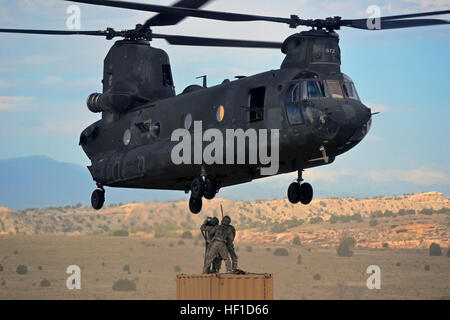 FORT CARSON, Colo. – Soldiers from 2nd General Support Aviation Battalion, 4th Aviation Regiment, 4th Combat Aviation - Stock Photo
