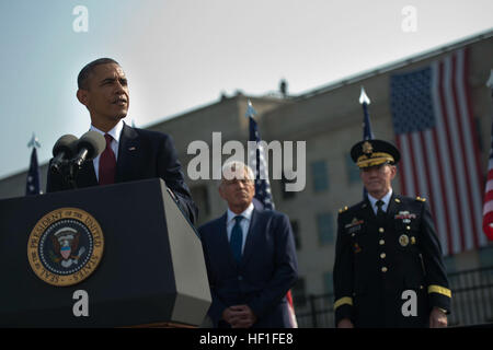 President Barack Obama, at lectern, speaks Sept. 11, 2013, during a remembrance ceremony at the Pentagon to honor - Stock Photo