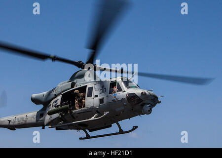 ) A UH-1Y Huey helicopter with Marine Medium Tiltrotor Squadron (VMM) 263 (Reinforced), 22nd Marine Expeditionary - Stock Photo