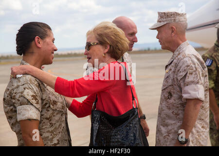 Sergeant Major Charmalyn Pile, the sergeant major of Special-Purpose Marine Air-Ground Task Force 14 (left), speaks - Stock Photo
