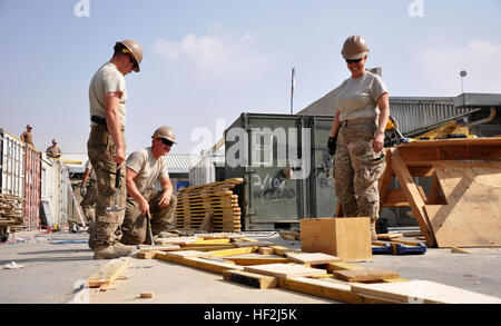 U.S. Navy Seabees from Naval Mobile Construction Battalion Two Five (NMCB 25), Task Force Ultimus, U.S. Army Soldiers - Stock Photo