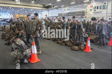 U.S. Marines with Lima Company, Battalion Landing Team 3rd Battalion, 1st Marine Regiment, 15th Marine Expeditionary - Stock Photo
