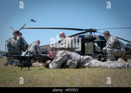Soldiers assigned to Company A, 1-111th General Aviation Support Battalion, South Carolina Army National Guard, - Stock Photo