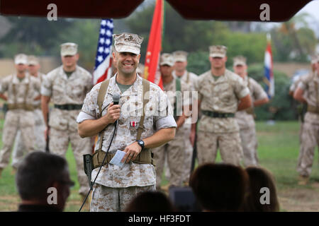 The outgoing commanding officer of Marine Wing Headquarters Squadron 3 (MWHS-3), 3d Marine Aircraft Wing (MAW), - Stock Photo