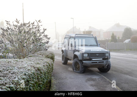 Hucknall, Nottinghamshire, UK. 29th Dec, 2016. Freezing and fog and frost this morning in Nottinghamshire. © Ian - Stock Photo