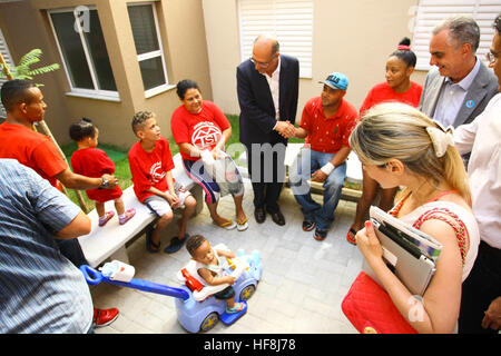 SÃO PAULO, SP - 29.12.2016: ENTREGA DE APARTAMENTOS DA PRIMEIRA PPP - Governor Geraldo Alckmin delivered on the morning of Thursday (29), at Rua São Caetano in downtown São Paulo, 126 apartments of the first Public-Private Partnership (PPP) in the country housing for low-income families. They attended the event Mayor Fernando Haddad and the mayor elected John Doria. (Photo: Aloisio Mauricio/Fotoarena) Stock Photo