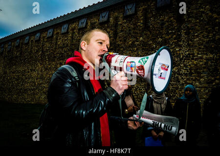 Cardiff, UK. 29th Dec, 2016. Demonstrators gather at Cardiff Castle in Wales to raise awareness and show their solidarity - Stock Photo