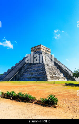 Central structure of Castillo, in the ancient Mayan temple of Chichen Itza, Yucatan, Mexico - Stock Photo