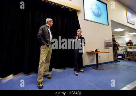 U.S. Secretary of State John Kerry listens to an introduction by National Science Foundation Polar Programs Division - Stock Photo