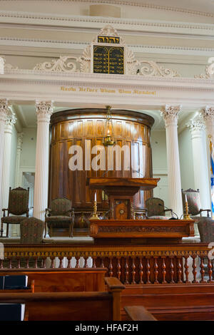 South Carolina Charleston Kahal Kadosh Beth Elohim built 1750 est 1695 cradle Reform Judaism 1824 Bimah ark pew - Stock Photo