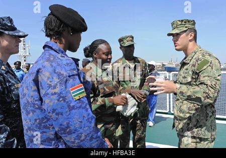 130307-N-IY142-182 DAKAR, Senegal (March 7, 2013) Hospital Corpsman 2nd Class Peter Wells conducts medical training - Stock Photo