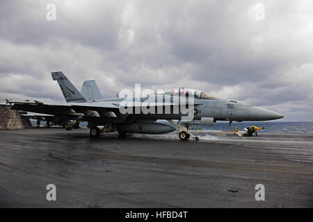 150205-N-SB299-238 ATLANTIC OCEAN (Feb. 5, 2015) An F/A-18F Super Hornet assigned to the Checkmates of Strike Fighter - Stock Photo