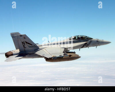 An aerial view of a US Navy (USN) F/A-18F Super Hornet fighter aircraft, Strike Fighter Squadron 2 (VFA-2), Bounty - Stock Photo