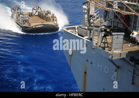 110512-N-ZS026-384 GULF OF ADEN (May 12, 2011) Landing Craft Air Cushioned (LCAC) 65, assigned to Assault Craft - Stock Photo