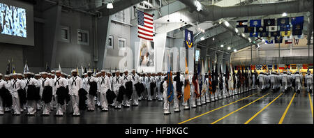 NAVAL STATION GREAT LAKES, Ill., (Sept. 21, 2012) Graduating Sailors arrive at Midway Ceremonial Drill Hall for - Stock Photo