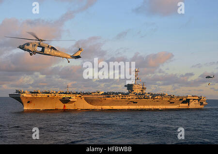 120708-N-TG831-049  SOUTH CHINA SEA (July 8, 2012) The Nimitz-class aircraft carrier USS George Washington (CVN - Stock Photo
