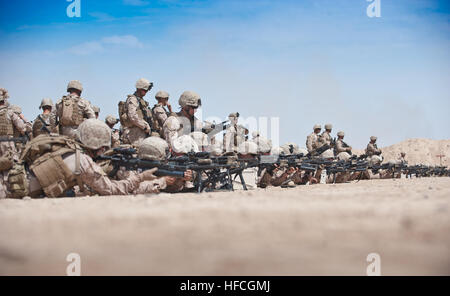 Marines with 1st Battalion, 25th Marine Regiment verify battle sight zeroes on their rifles at Camp Leatherneck, - Stock Photo