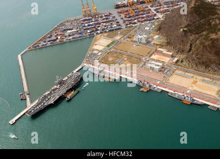 090312-N-1113S-197 BUSAN, Republic of Korea (March 12, 2009) Ships from the John C. Stennis Carrier Strike Group - Stock Photo
