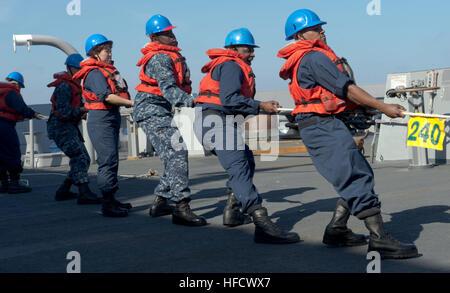 130129-N-WX580-120 ATLANTIC OCEAN (Jan. 29, 2013)  Sailors aboard the amphibious transport dock ship USS San Antonio - Stock Photo
