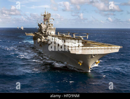 PACIFIC OCEAN (Oct. 25, 2016) The Makin Island Amphibious Ready Group (ARG) underway in the western Pacific Ocean. - Stock Photo