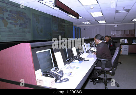 020308-N-1993R-501 Pentagon, Washington, DC (Mar. 8, 2002) -- The Navy Command Center is operational and monitoring - Stock Photo