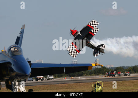Skip Stewart performs acrobatic maneuvers in his Pitts S-2S bi-plane, named Prometheus, during the 2010 NAS Jax - Stock Photo