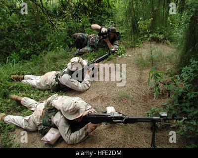 040715-N-5972N-008 Kahuku Training Area, Oahu, Hawaii (July 15, 2004) - U.S. Navy Photographer's Mate 2nd Class - Stock Photo