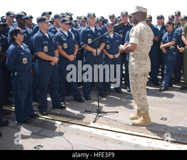 040821-N-0401E-026  ABOARD USS BELLEAU WOOD, North Arabian Gulf -- Sgt. Maj. of the Marine Corps John Estrada talks - Stock Photo