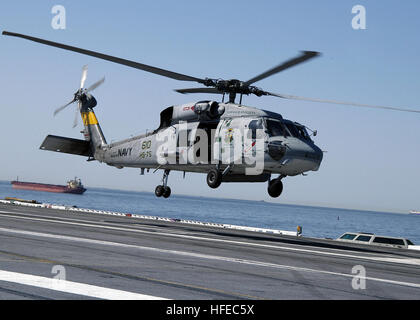 050417-N-5884M-032 Atlantic Ocean (Apr. 17, 2005) - An SH-60F Seahawk helicopter, assigned to the 'Emerald Knights' - Stock Photo