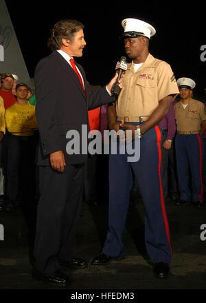 050528-N-7695R-129  New York, N.Y. (May 28, 2005) - Fox News broadcast journalist Geraldo interviews Marine Corps - Stock Photo