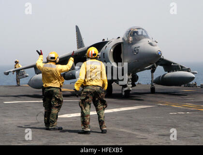 040411-N-8053S-055 Onboard USS Wasp (LHD 1) in the Indian Ocean, April 11, 2004 – A Sailor from the amphibious assault - Stock Photo