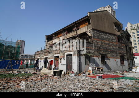 Destruction of Shanghai Longtangs. -  16/02/2016  -  China / Shanghai  -  Detached house. Destruction of Shanghai - Stock Photo