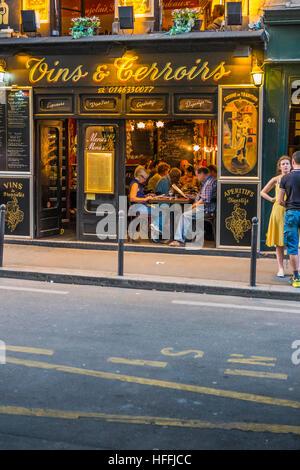 street scene in front of restaurant, bistrot, vins & terroirs - Stock Photo