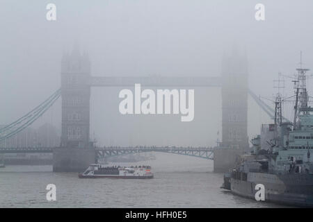 London,UK. 30th December 2016. London Tower Bridge shrouded in dense freezing fog Credit: amer ghazzal/Alamy Live - Stock Photo