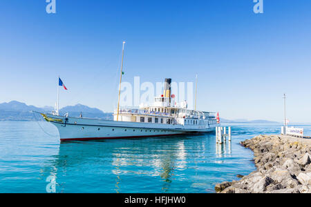 The Belle Epoque paddle steamer La Suisse arriving in the port of Lausanne-Ouchy, Lausanne, Switzerland - Stock Photo