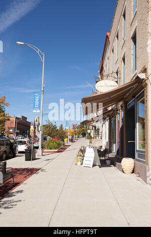 CANANDAIGUA, NEW YORK - OCTOBER 11, 2016: Downtown Canandaigua, N.Y. is full of quaint shops and restaurants that - Stock Photo
